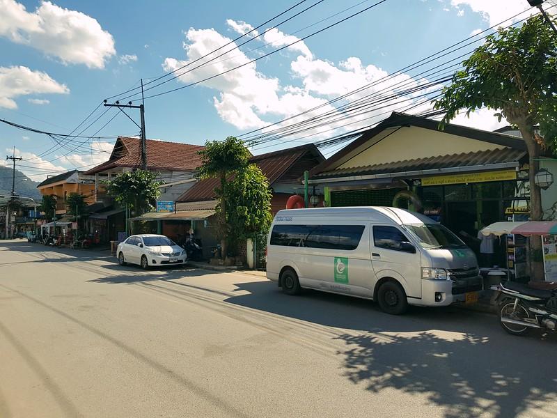 20181219_131256-chiang-mai-minivan.jpg