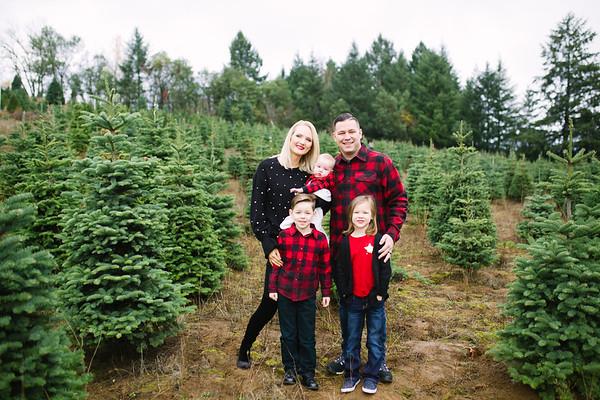 Diaz Family | Sleighbells Christmas Tree Farm