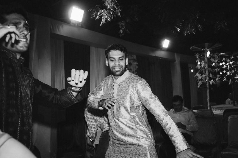 Candid Wedding Photographer Ahmedabad-1-25.jpg