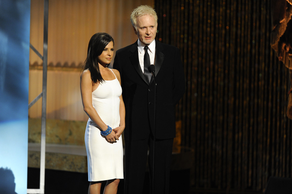 . Kelly Monaco and Anthony Geary speak at the Daytime Emmy Awards on Sunday Aug. 30, 2009,in Los Angeles. (AP Photo/Chris Pizzello)