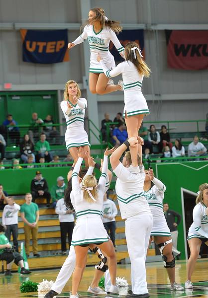 cheerleaders1206.jpg