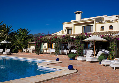 135600-LM-villa-hotel-venue