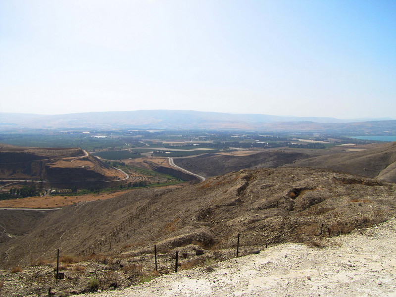 53-Jordan Valley settlements. Israel to right, Kingdom of Jordan to left.