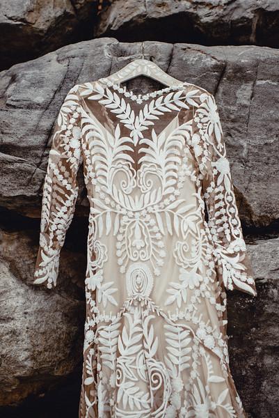 Requiem Images - Luxury Boho Winter Mountain Intimate Wedding - Seven Springs - Laurel Highlands - Blake Holly -37.jpg