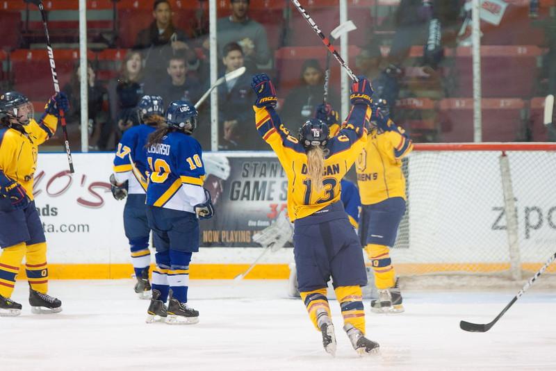 20130310 QWHockeyvsUBC 580.jpg