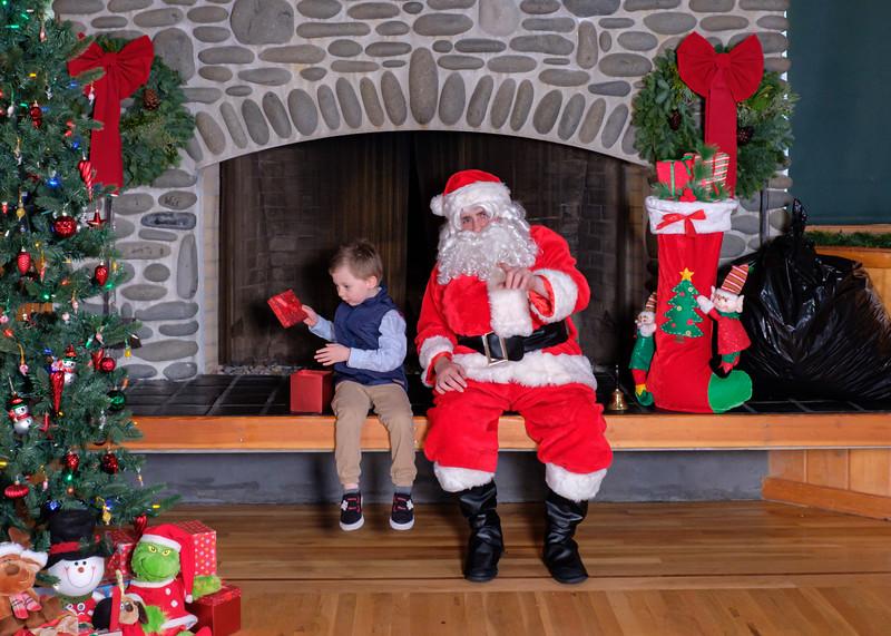 CB Santa 2019-7663.jpg