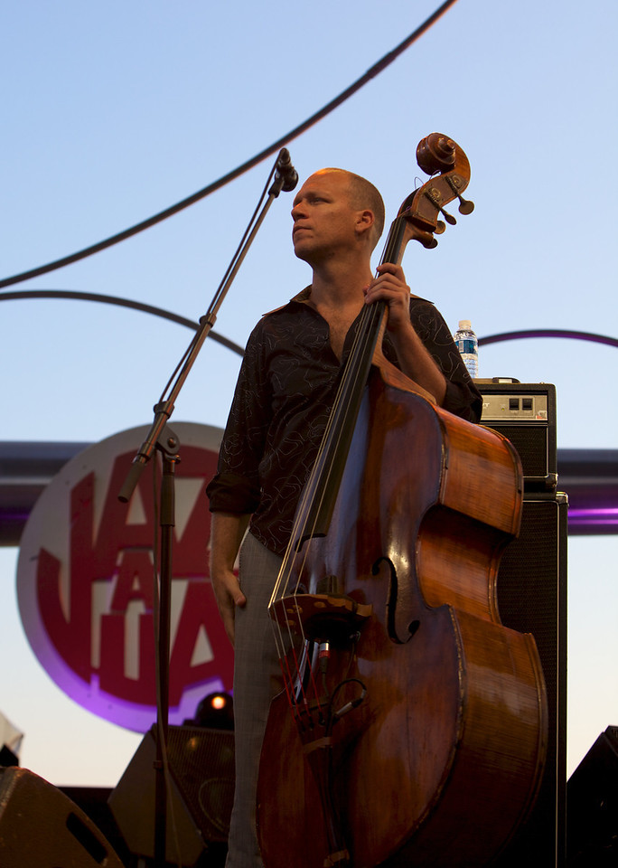 Avishai Cohen at Jazz à Juan 2010 4<br /> Avishai Cohen in concert at Jazz à Juan 2010