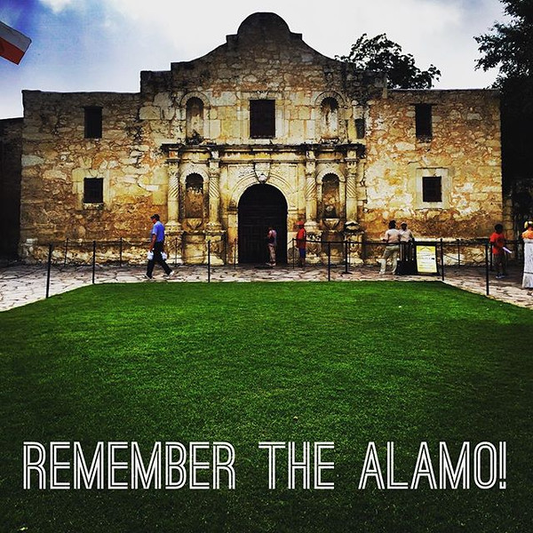 Couldn_t_leave_San_Antonio_without_a_visit_to_the_Alamo.__Even_if_you_aren_t_a_history_buff_it_s_located_right_downtown_with_free_entry_to_the_public._Who_can_turn_that_down___TasteUSA__TexasToDo__VisitSA.jpg