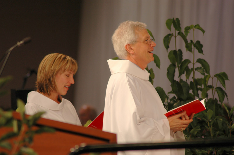 Treasurer Christina Jackson-Skelton and Secretary David Swartling at opening worship.