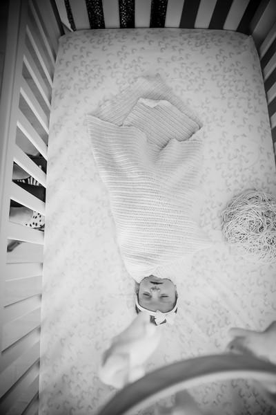 bw_newport_babies_photography_hoboken_at_home_newborn_shoot-5132.jpg