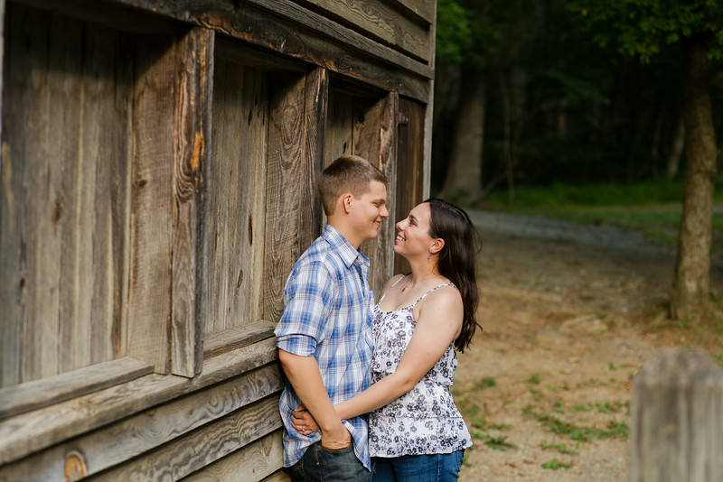 elizabeth-stephen-engagement-21.jpg