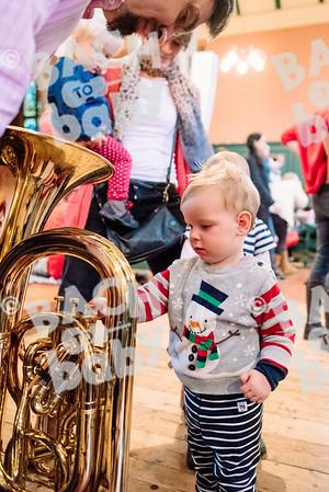 © Bach to Baby 2016_Alejandro Tamagno_Chiswick_2016-12-23 058.jpg