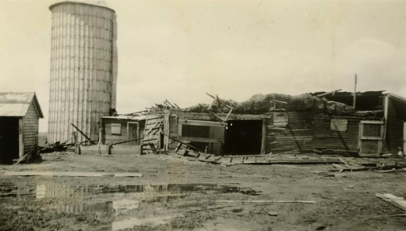 JB101.  C. Collins Farm after tornado – Hunter – Jun 1935.jpg