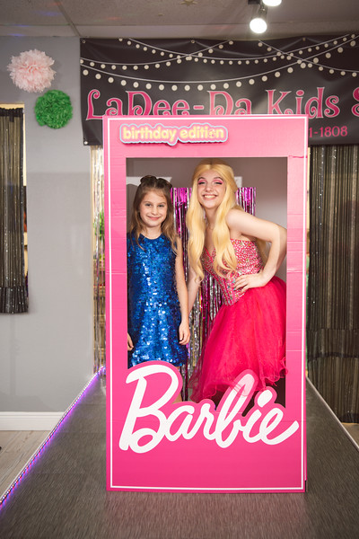 2020-0104-delaney-barbie-party-141.jpg