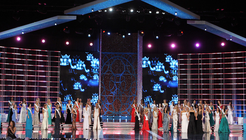 . Contestants compete in the Miss America 2013 pageant on Saturday, Jan. 12, 2013, in Las Vegas. (AP Photo/Isaac Brekken)