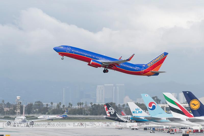 F20170218a144306_7392-Boeing 737-8H4-Southwest-N8618N.jpg