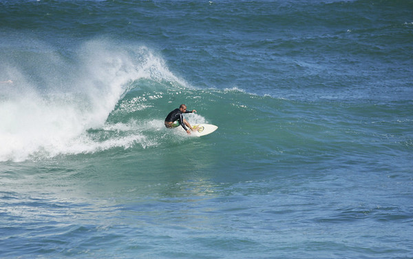 SURFING OAHU NORTH SHORE