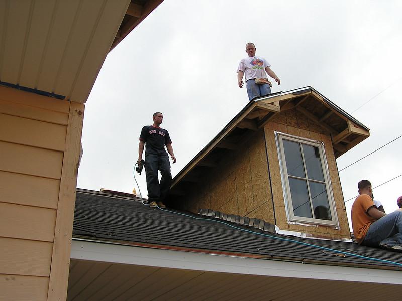 Roofing 4-1-06 045.jpg