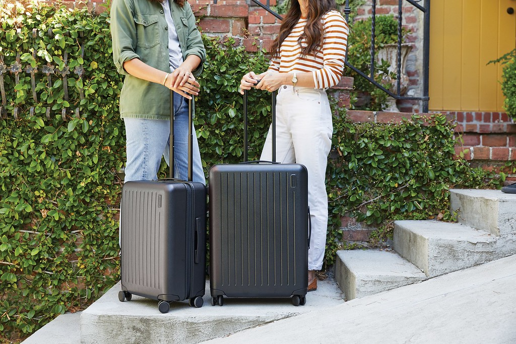 Where to store luggage while traveling