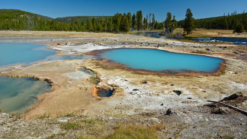 Black Opal Spring - Biscuit Basin