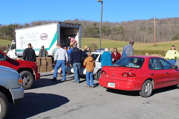2015,  Thanksgiving box distribution, Sneedville