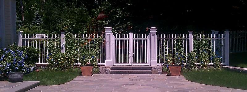 185 - 333721 - Briarcliff Manor NY - Custom Cambridge Fence & Gate