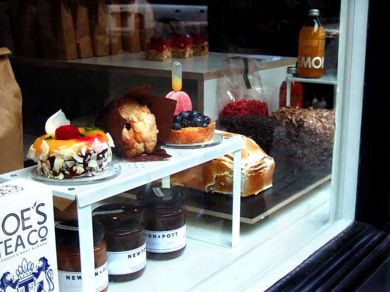 cake window