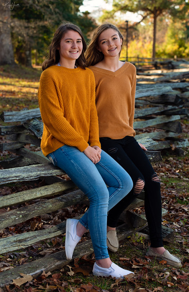 Meghan and Abby 20191128-11_web.jpg