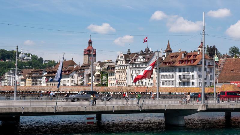 Switzerland-Boat-to-Lucerne02.jpg