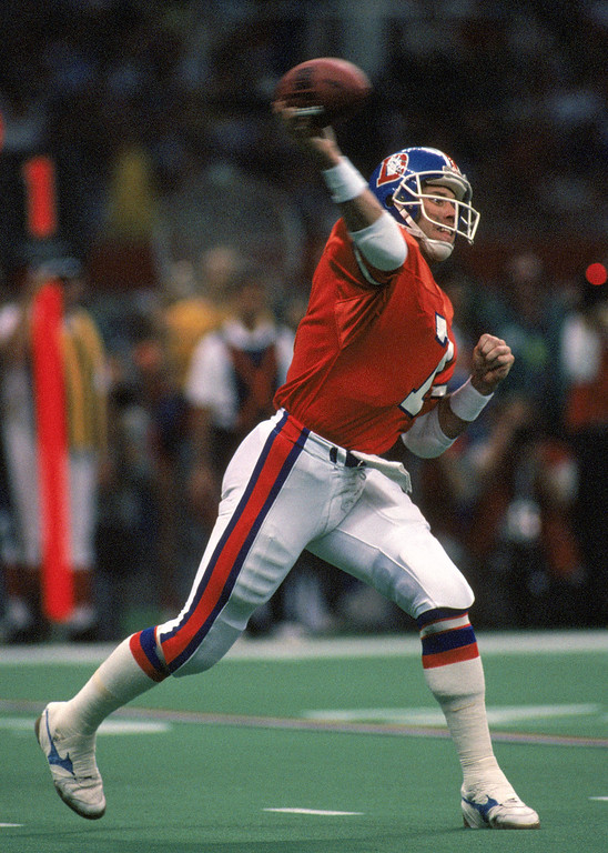 . Quarterback John Elway #7 of the Denver Broncos throws a pass during Super Bowl XXIV against the San Francisco 49ers at the Louisiana Superdome on January 28, 1990 in New Orleans, Louisiana.   (Photo by George Rose/Getty Images)