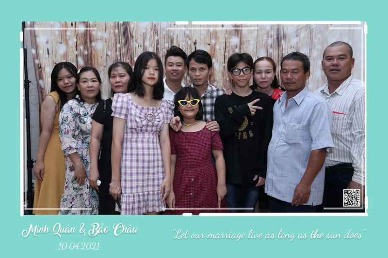 QC-wedding-instant-print-photobooth-Chup-hinh-lay-lien-in-anh-lay-ngay-Tiec-cuoi-WefieBox-Photobooth-Vietnam-cho-thue-photo-booth-047.jpg