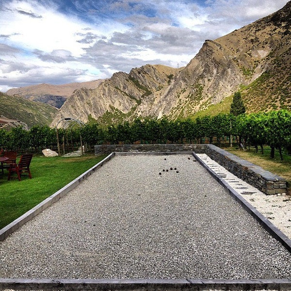 Quite possibly the world's most beautiful pétanque pitch (boules, bocce). Brennan Vineyards, Gibbston Otago, #newzealand