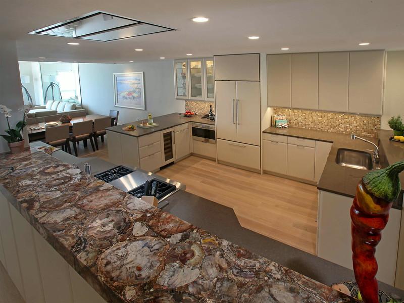 Vill_Kitchen4.jpg
