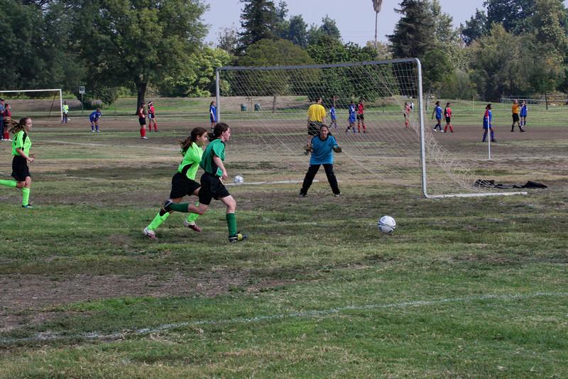 Soccer2011-09-17 11-17-38.JPG