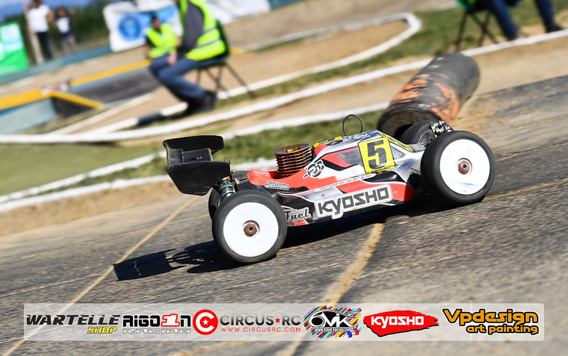 CFE2 action pit samedi70.jpg