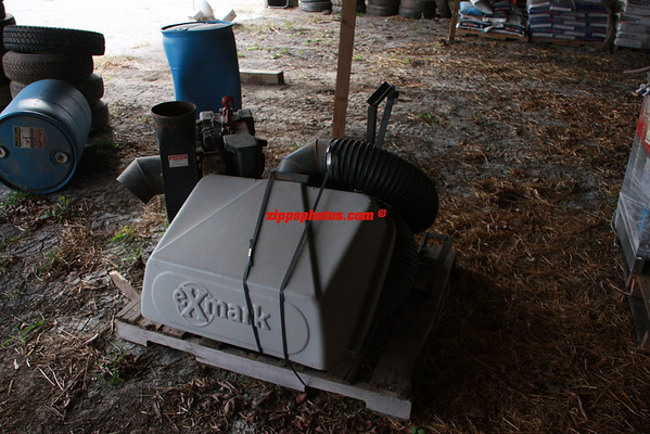 "---SOLD++++Exmark Lazer Z 60"" 25hp zero turn mower with bagger  $3000"