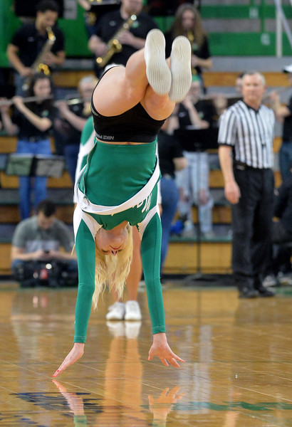 cheerleaders6916.jpg