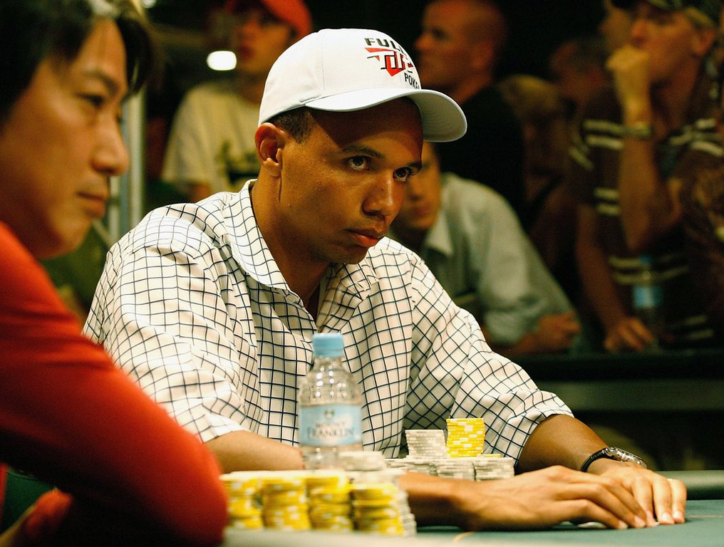 ". <p>6. PHIL IVEY <p>If you call yourself �the Tiger Woods of poker,� you�re ASKING to be called a cheater. (unranked) <p><b><a href=\'http://abcnews.go.com/Entertainment/poker-player-phil-ivey-cards/story?id=23302506\' target=""_blank\""> HUH?</a></b> <p>    (Simon Fergusson/Getty Images)"