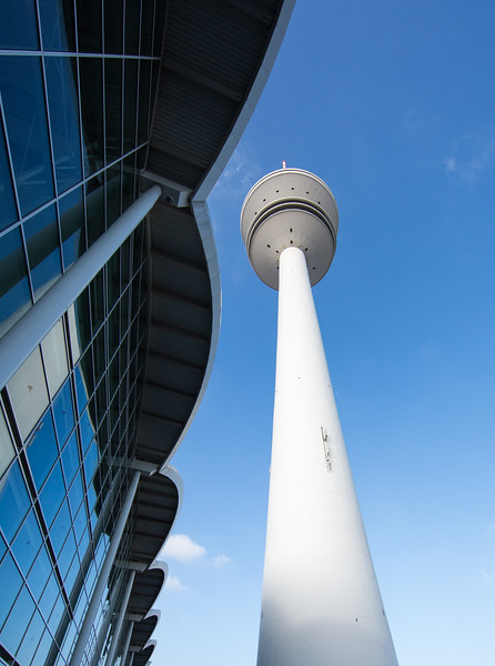 Messehalle und Fernsehturm Architektur