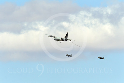 USMC McDonnell Douglas AV-8B Harrier II Aerial Refueling Pictures