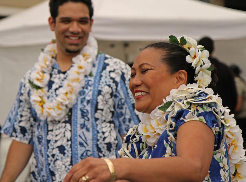 hawaiianwomanlaughing1600.jpg