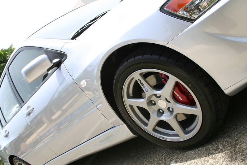Enkei wheels, Brembo 4-piston brakes