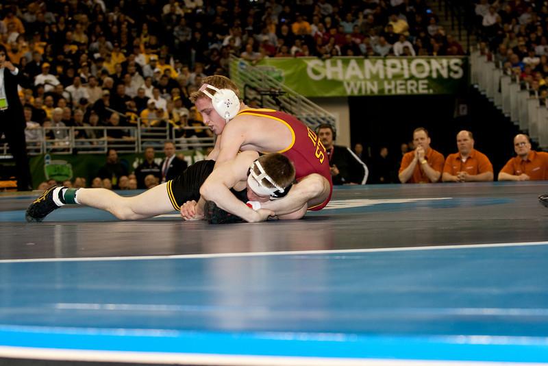 125 McDonough (Iowa) vs Long (Iowa St)IMG_5993.jpg