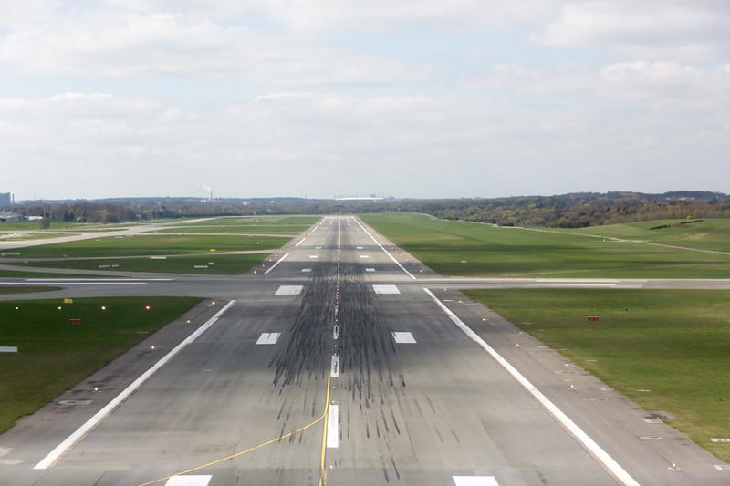 Start und Landebahn des Flughafens Hamburg