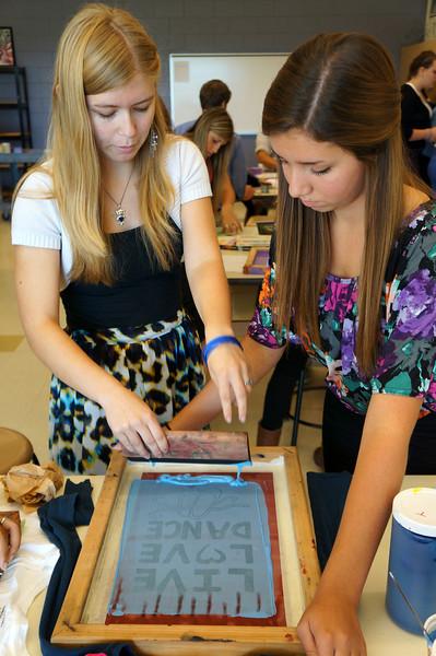 Lutheran-West-Art-Class-Silk-Screen-T-Shirts--September-2012--101.JPG