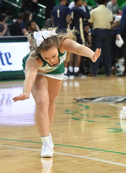 cheerleaders3668.jpg