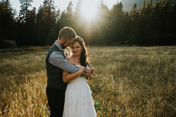 Melissa + Josh, Leavenworth Wedding