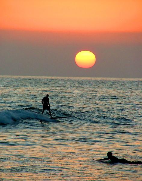 sunsetsurfer1.jpg