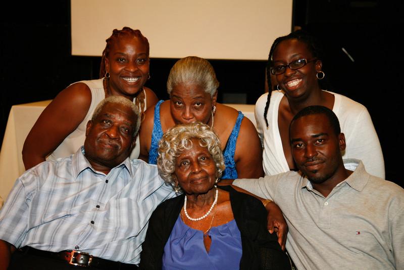 Edouard Family Reunion-3750.jpg