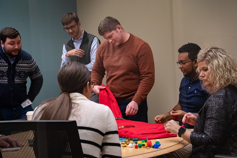 Resource Group Holiday Party 2019-00667.jpg